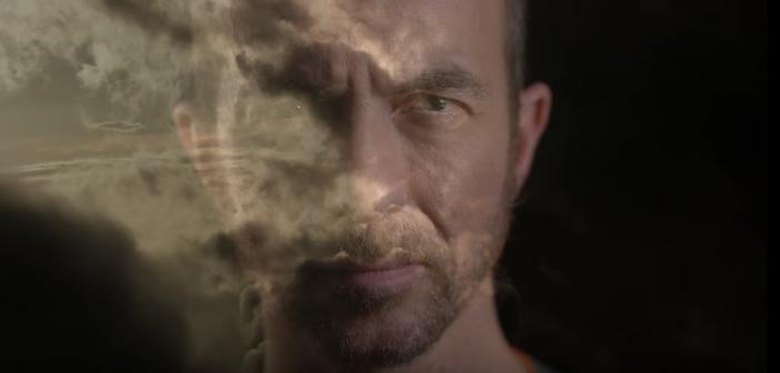 Poétique, Calogero présente le clip puissant de son «Voler de nuit»