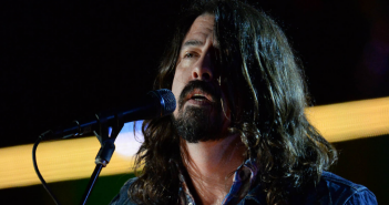 dave-grohl-foo-fighters-reprise-nirvana-titre-in-bloom-los-angeles