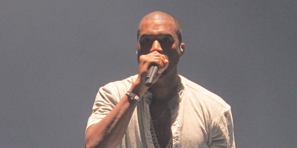 kanye-west-duo-jay-z-throne-2-message-twitter