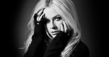 """Avril Lavigne et son """"Head Above Water World Tour"""" passeront à l'Olympia en 2020"""