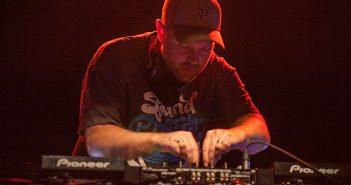 DJ Shadow se livrera en pleine lumière au Trianon de Paris en février 2020 2