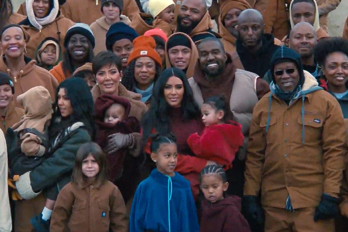 "Kanye West invite Kim Kardashian et ses enfants dans le clip de ""Closed On Sunday"" 1"