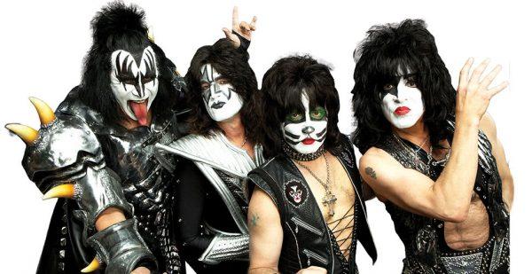 C'est l'ouverture de la billetterie pour le concert de Kiss à l'AccorHotels Arena de Paris en juin 2020 ! 1