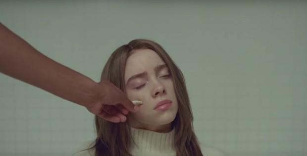 """La géniale Billie Eilish dévoile le clip un peu spécial de """"xanny"""" 1"""