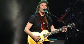 """Steve Hackett revient en concert à Paris avec le """"Genesis Revisited"""" et il vous attend à la Salle Pleyel 13"""