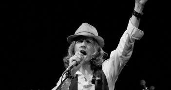 """Ne soyez pas un """"Loser"""", allez voir Beck en concert au l'Olympia en juin 2020 7"""