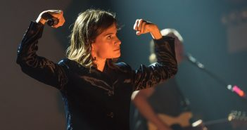 "Christine And The Queens revient avec ""People, I've Been Sad"" un titre inédit de toute beauté 5"