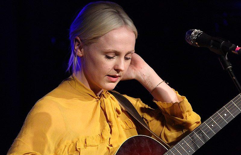 Laura Marling annula sa venue au Café de la Danse à Paris en mai 2020 mais dévoile le premier single de son nouvel album ! 1