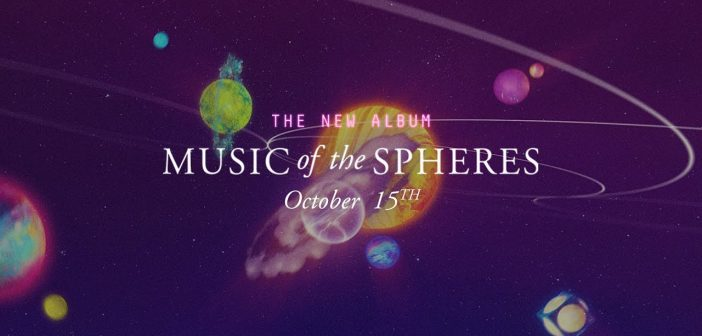 Coldplay annonce le titre de son nouvel album, «Music Of The Spheres», la tracklist et la date de sortie de l'opus en plus d'offrir le trailer «Overtura» !