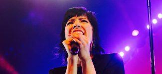 Carly Rae Jepsen revient avec un nouvel album intitulé Dedicated : Ecoutez-le dès maintenant