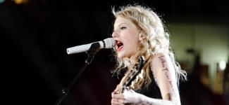 Taylor Swift donnera un concert au Festival de Nîmes l'été prochain !