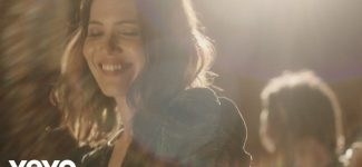 L'actrice Mandy Moore revient à la chanson avec son premier album en 11 ans !