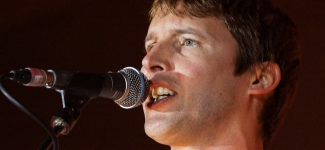"James Blunt dévoile le clip émouvant de ""Monsters"", extrait de son nouvel album"
