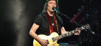 """Steve Hackett revient en concert à Paris avec le """"Genesis Revisited"""" et il vous attend à la Salle Pleyel"""
